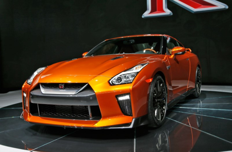 2017 Nissan GT-R Owners Manual