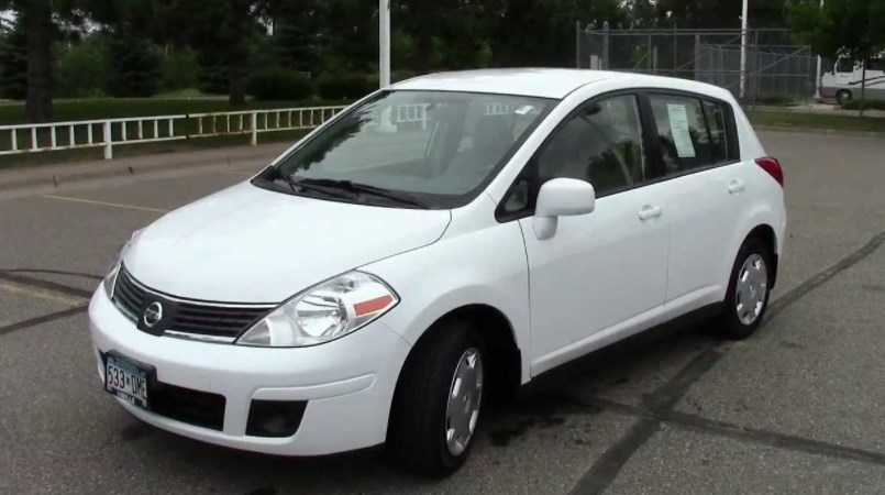 2009 Nissan Versa Owners Manual