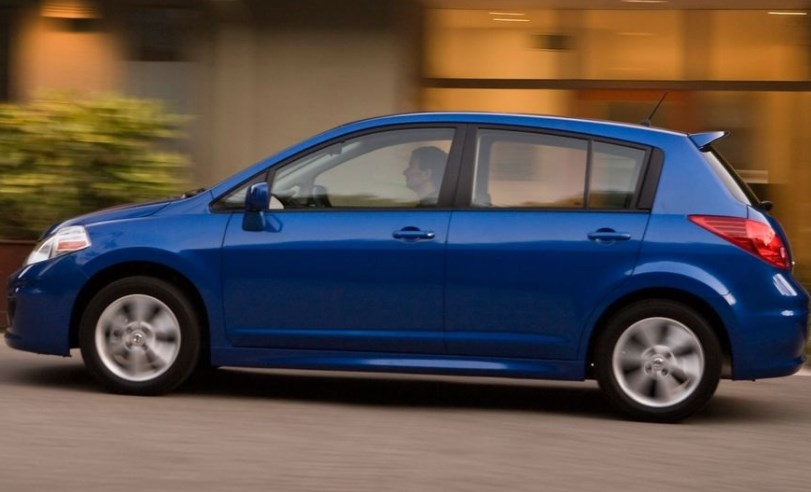 2010 Nissan Versa Owners Manual
