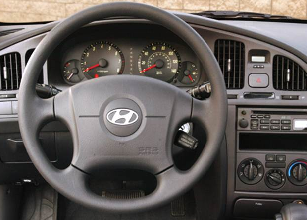 2005 Hyundai Accent Interior and Redesign