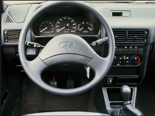 1990 Hyundai Sonata Interior and Redesign