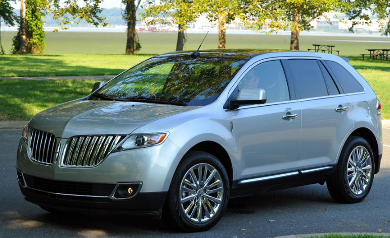 2011 Lincoln MKT Owners Manual