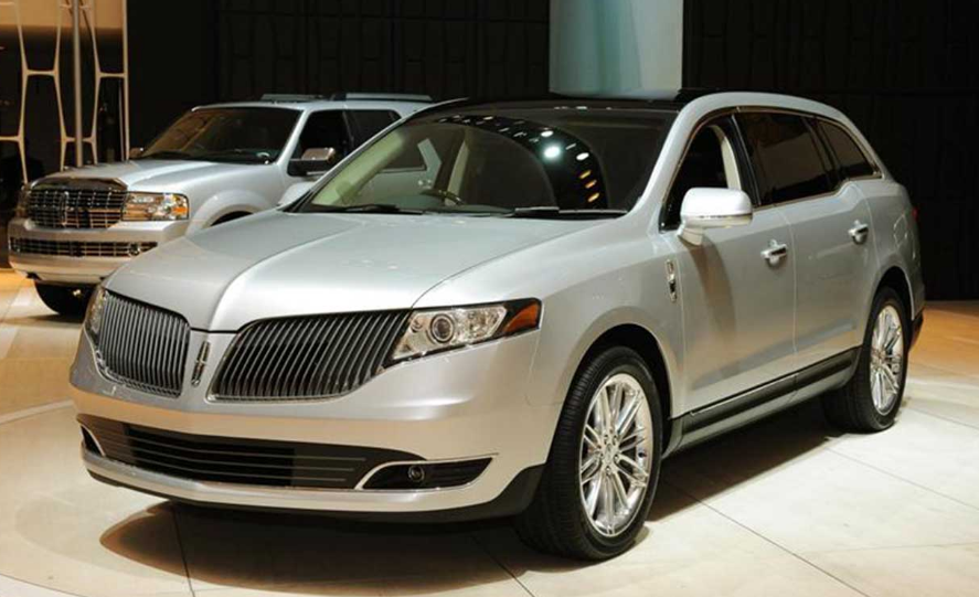 2017 Lincoln MKT Owners Manual