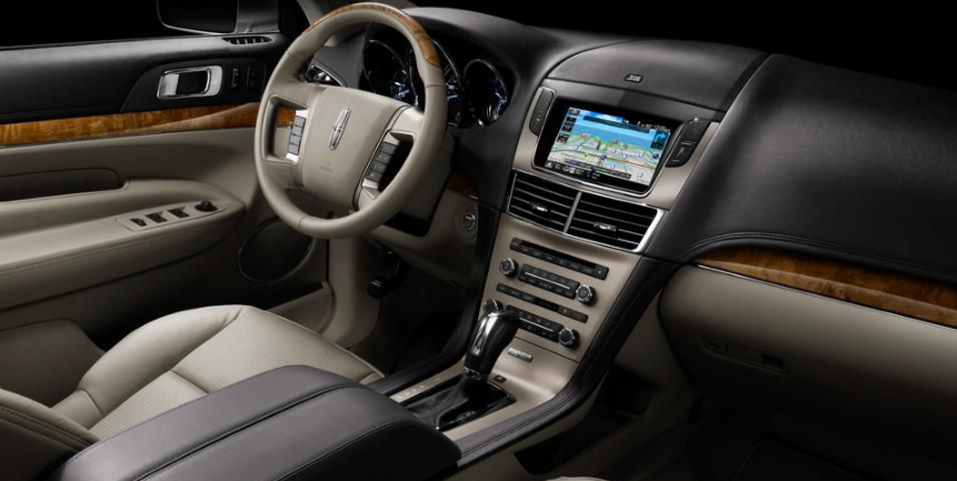 2017 Lincoln MKT Interior and Redesign