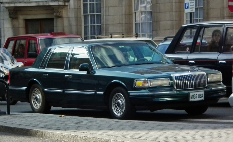 1995 Lincoln Town Car Owners Manual