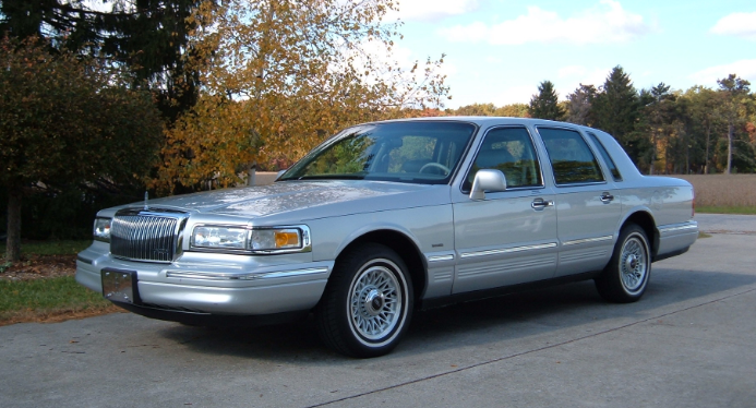 1996 Lincoln Town Car Owners Manual