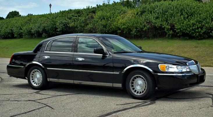 2001 Lincoln Town Car Owners Manual