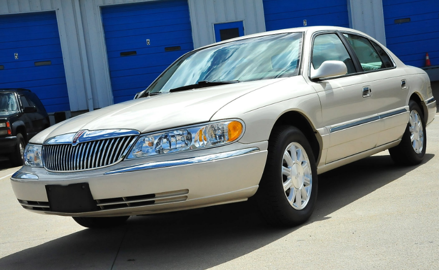 2002 Lincoln Continental Owners Manual