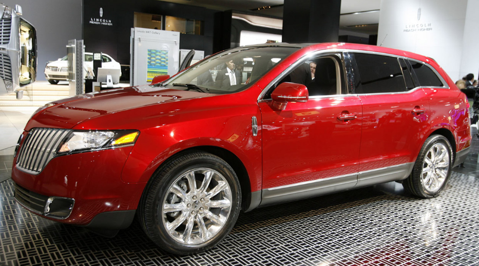 2010 Lincoln MKT Owners Manual