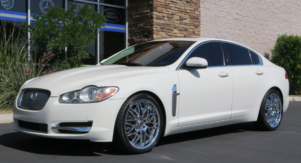 2010 Jaguar XF Owners Manual