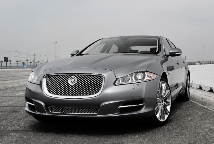 2013 Jaguar XJ Owners Manual
