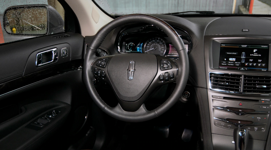 2013 Lincoln MKT Interior and Redesign