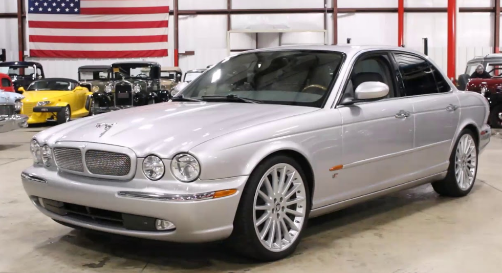 2005 Jaguar XJ Owners Manual