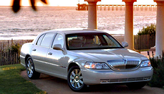 2009 Lincoln Town Car Owners Manual
