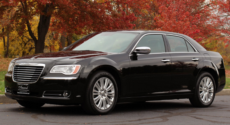 2013 Chrysler 300C Owners Manual