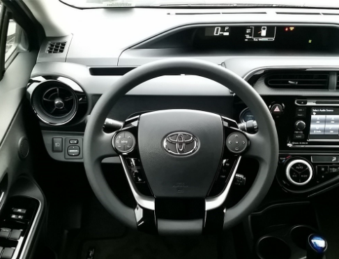 2018 Toyota Prius c Interior and Redesign