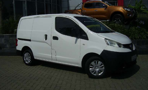 2014 Nissan NV200 Owners Manual
