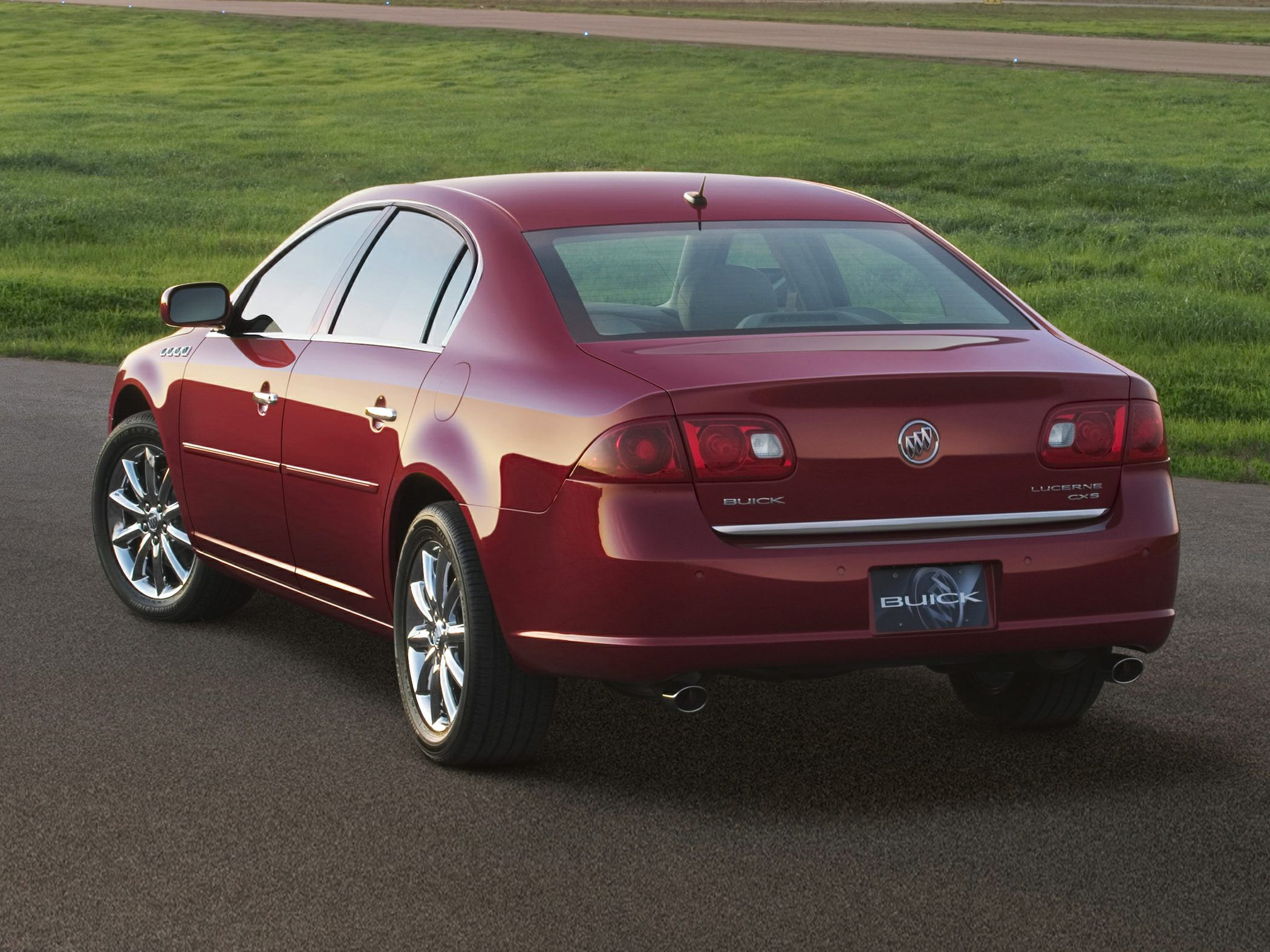 2010 Buick Lucerne Price Photos Reviews Features