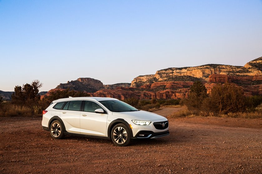 2020 Buick Regal TourX Owners Manual