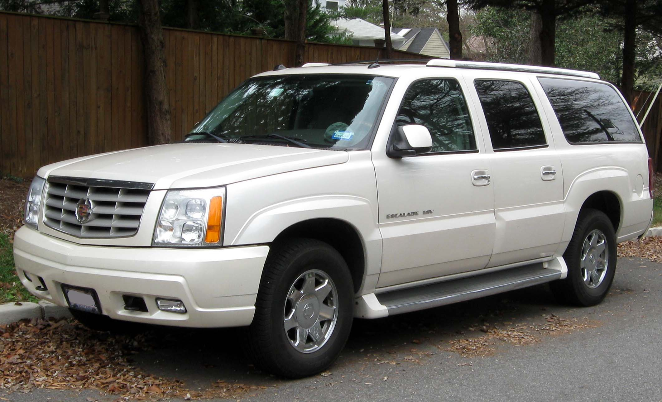 2004 Cadillac Escalade ESV Information And Photos