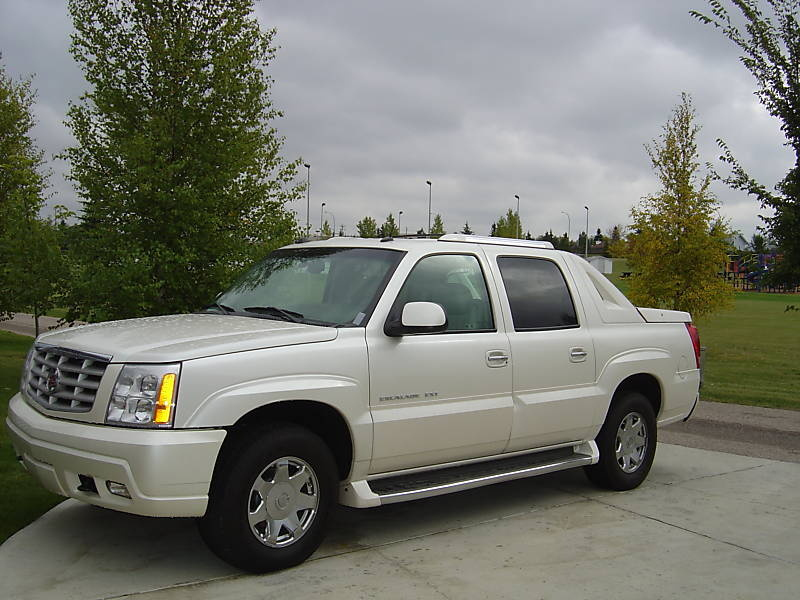 2004 Cadillac Escalade EXT Owners Manual