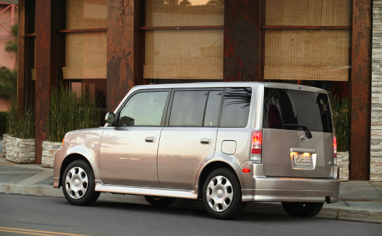 2004 Scion xB Owners Manual