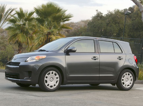 2009 Scion xD Owners Manual